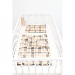 Barna kockás ágyneműszett babának