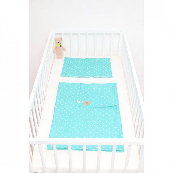Türkizzöld alapon fehér pöttyös ágyneműszett babának