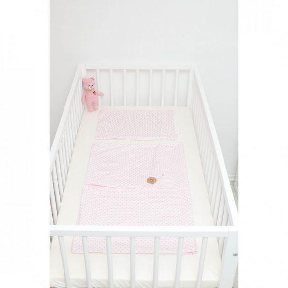 Fehér alapon rózsaszín szíves ágyneműszett babának